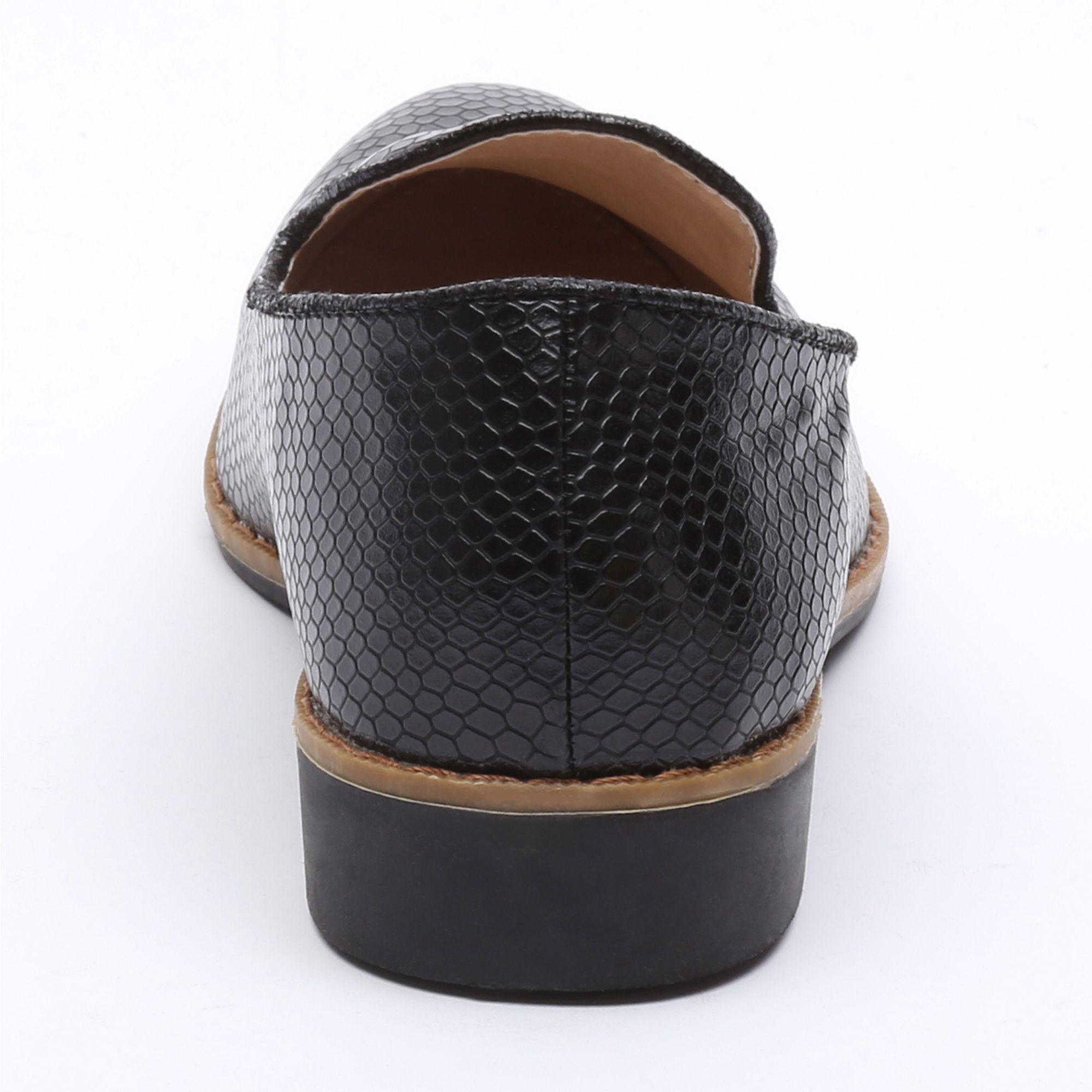 Zapato negro efecto serpiente Tutto Tempo