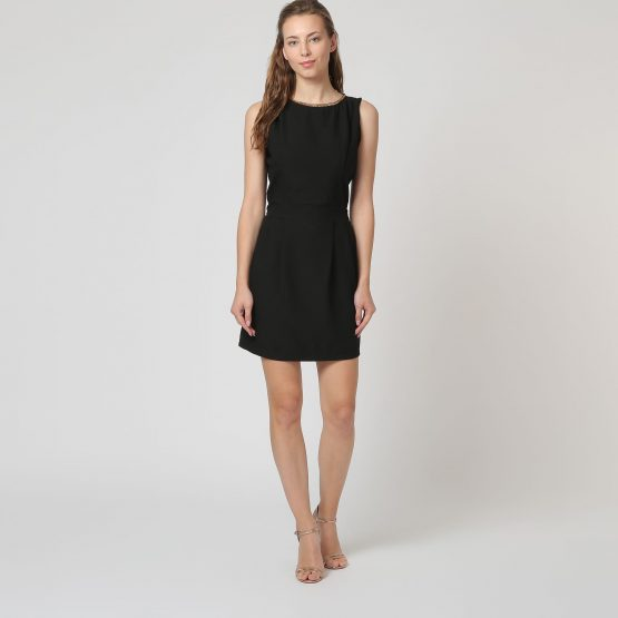 Vestido negro con cadena - Tutto Tempo
