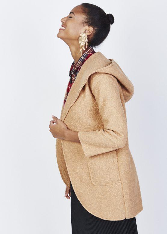 chaqueta de borreguito con capucha - Tutto Tempo